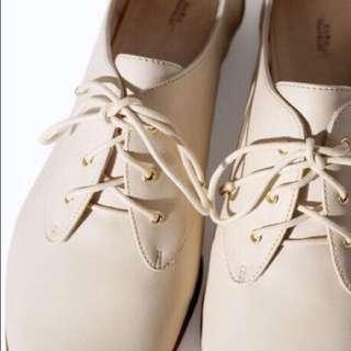 Zara Cream Oxford Shoes
