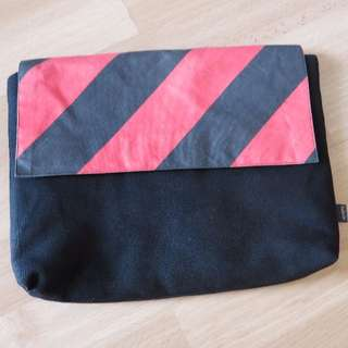Fabrix small laptop/netbook case