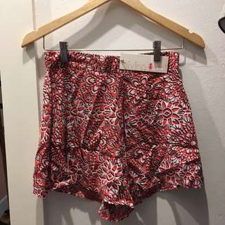 New Living Doll Shorts Size 10