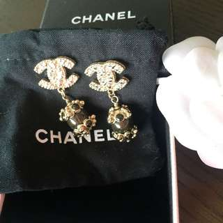 Chanel pierced earring