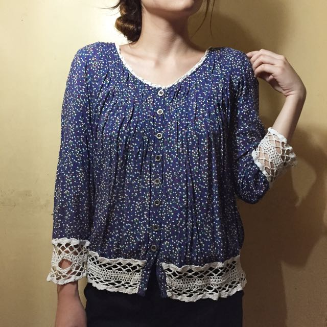 3/4 Blouse With Knitted Ends