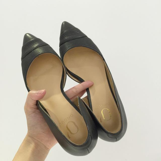 黑色 低跟 高跟鞋