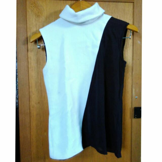 Authentic Black&White Turtleneck Tank Top