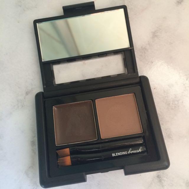 Elf Eyebrow Kit In Medium Health Beauty On Carousell