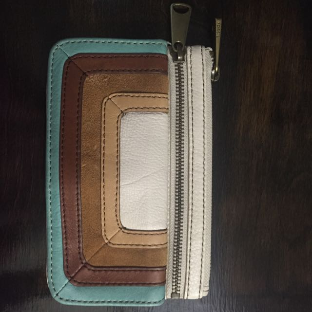 Fossil explorer + Wallet
