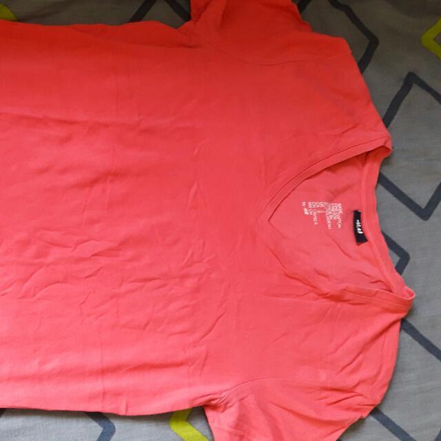 H&M V-neck Tshirt
