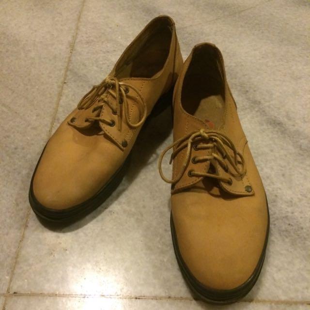 Sepatu Ellesse