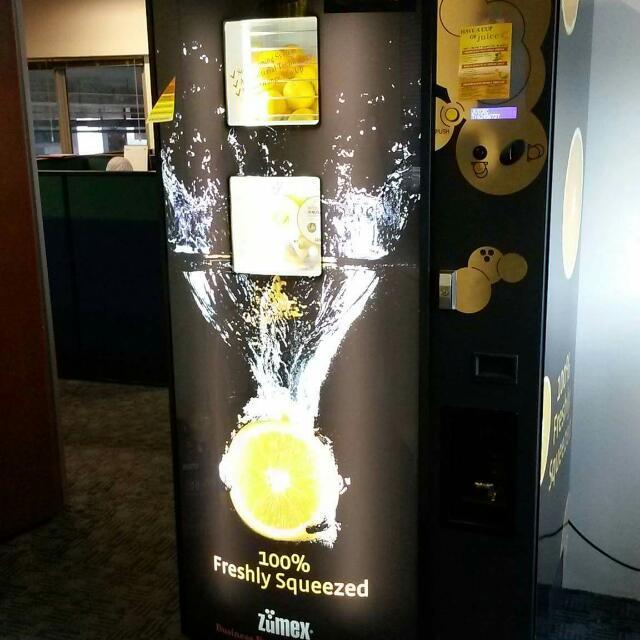 Zumex Freshly Squeezed Orange Juice Vending Machine Home Appliances