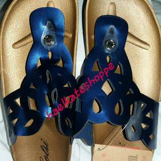 corsi flat sandals