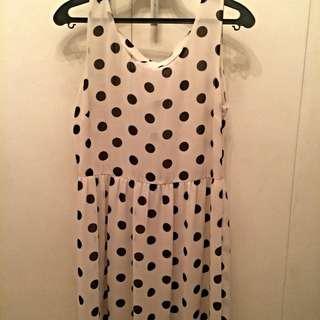 Mid Length Sleeveless polka dots dress