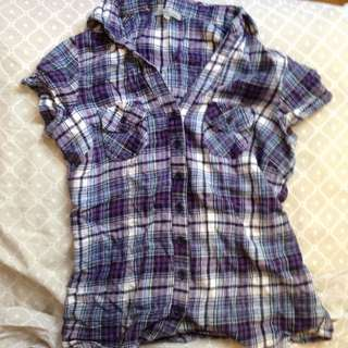 Charlotte Russe Short-Sleeved Plaid Flannel Shirt