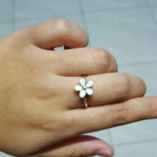 Authentic Pandora White Daisy Ring