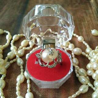 Pearl Ring Original