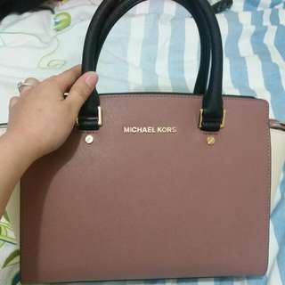 Michael Kors 100% BRANDNEW AND ORIGINAL