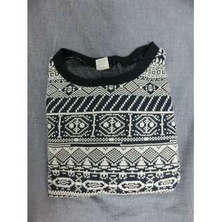 民族花紋毛衣
