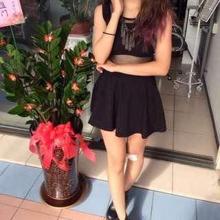 黑色露腰裙