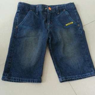 Preloved 3/4 Giordano Junior Jean With Adjustable Waist For 8 To 10 Years Old Boy.