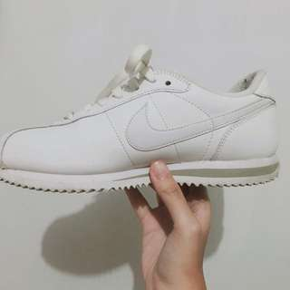 Nike阿甘全白 二手 九成新