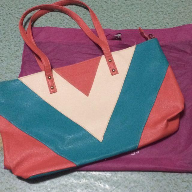 Belladonna Shoulder Bag