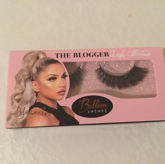 Billion Lashes- The Blogger
