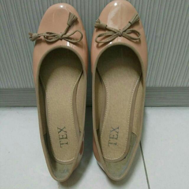 Flat shoes Tax Woman