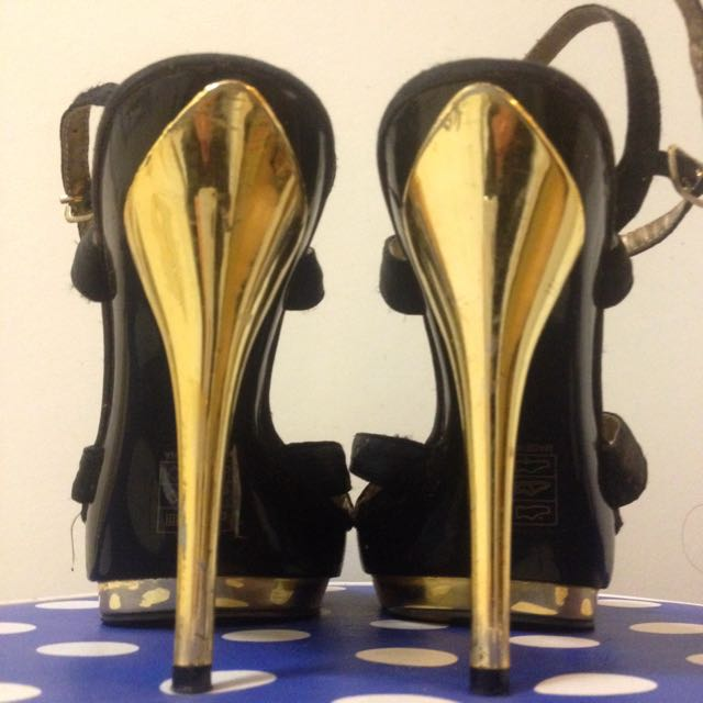 Gold & Black Heels Sz 5