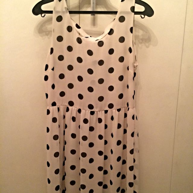 Mid Length Sleeveless polka dots dress