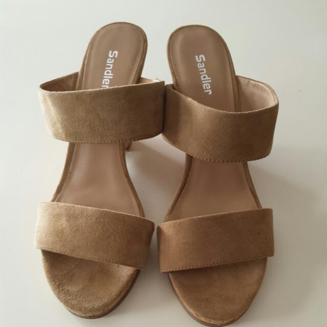 Sandler Elena wedge size 8