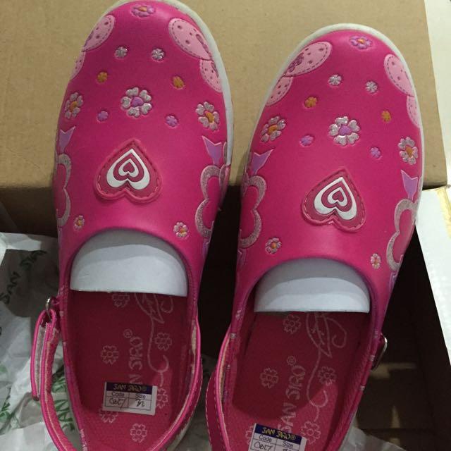Sepatu anak Merk San Siro