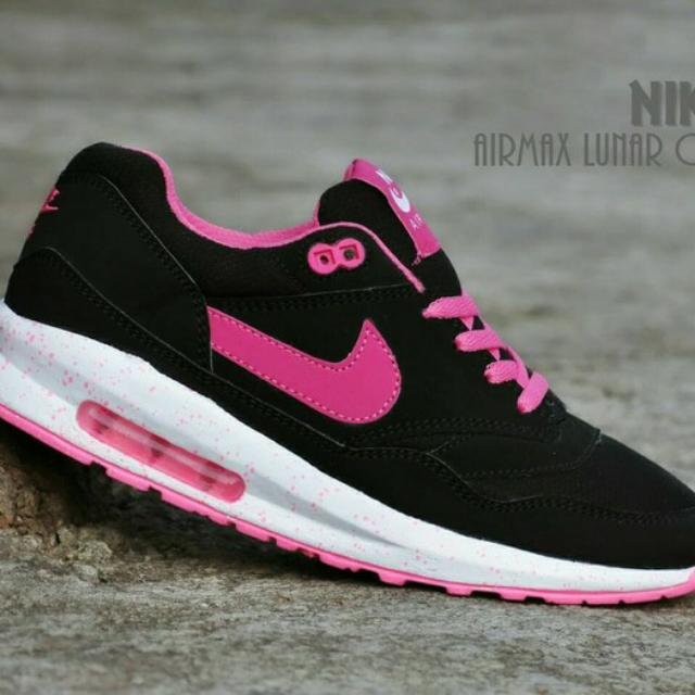 new product 9cb12 6b9c7 Sepatu Nike Airmax Lunar One Women  Hitam Pink casual sport, Everything  Else on Carousell