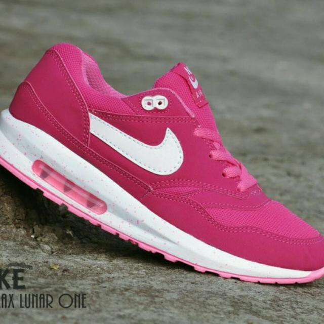 san francisco 34776 c230e Sepatu Nike Airmax Lunar One Women  Pink  casual sport, Everything Else on  Carousell