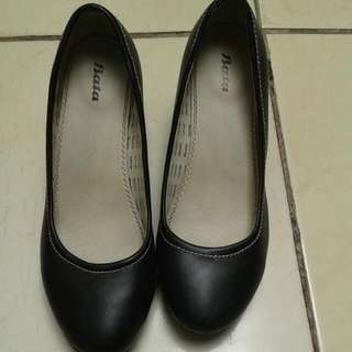 black heels bata