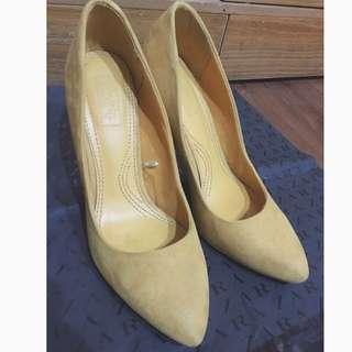 Zara麂皮高跟鞋(保留中)