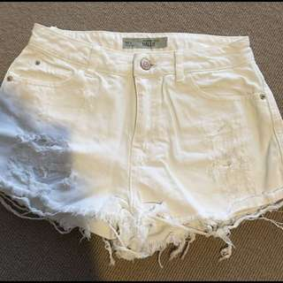 New Topshop Size 6 White Cut Off Shorts