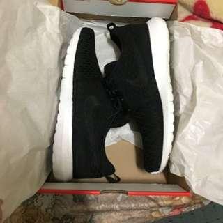 Nike Roshe Flyknit Black Size 9.5