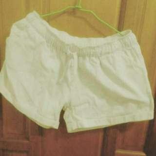 白色 休閒短褲