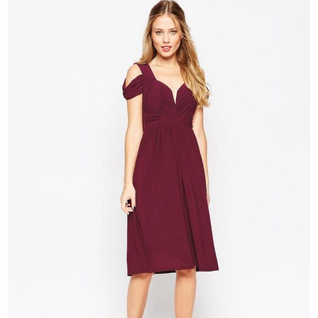 2 X Burgundy Cold Shoulder Dress