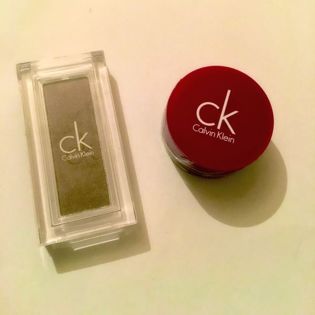 Calvin Klein Eyeshadow / Plum Lip Gloss