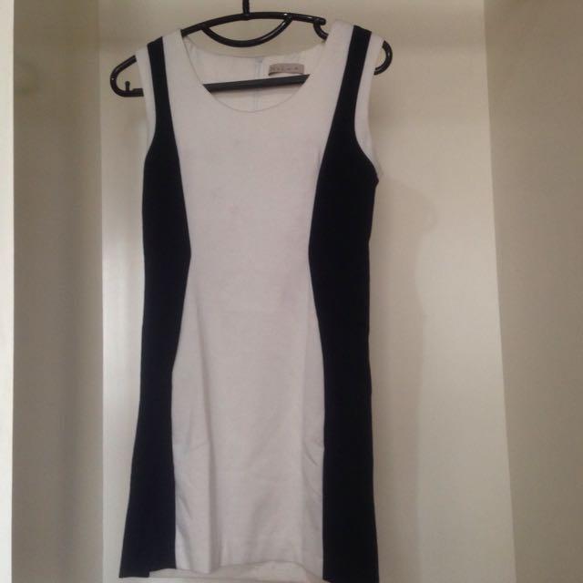 Dress N.Y.L.A Original.