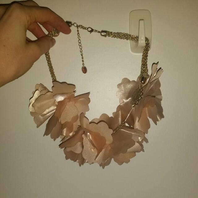 Flower Necklace Choker