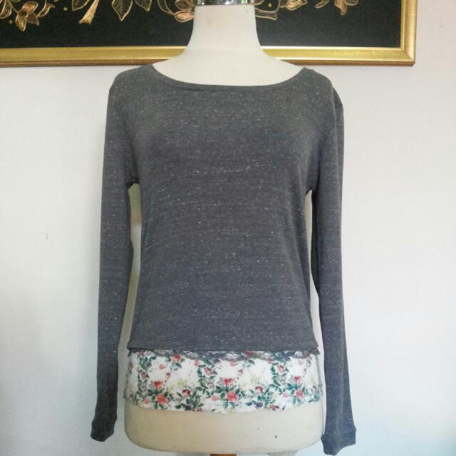 Grey Flowery Longsleeve / Jumper / Top