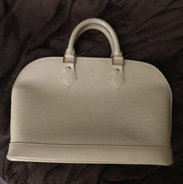Louis Vuitton Epi Alma Vanille