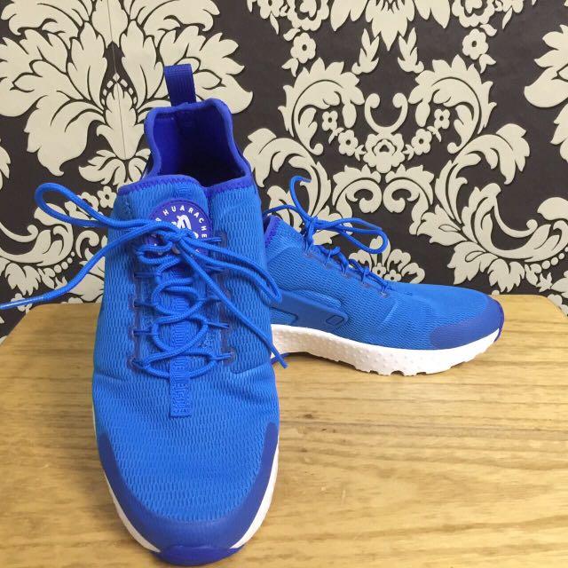 Nike Air Huarache Size 8 Man Size 9 Woman