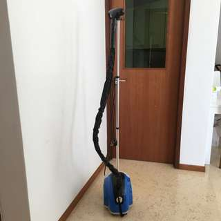 EUROPACE CLOTHES STEAMER IN EXCELLENT CONDITION