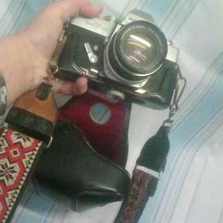 1966 Minolta SRT SLR Professional Camera, 3 Lens And Original Leather Carry Cases