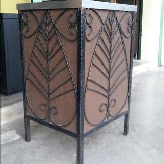 Mild Steel Decorative Dustbin