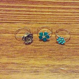Set Of 3 Stackable Flower Rings