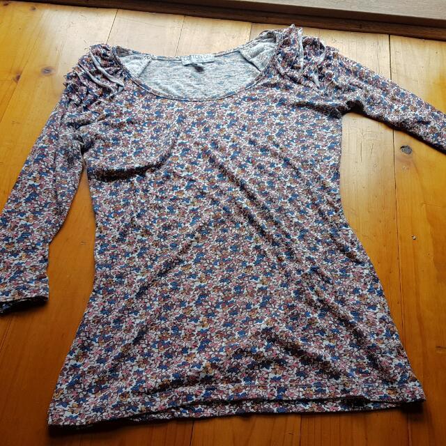 3/4 Floral t-shirt