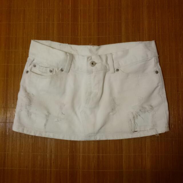 單寧風⏩白色刷破牛仔短裙