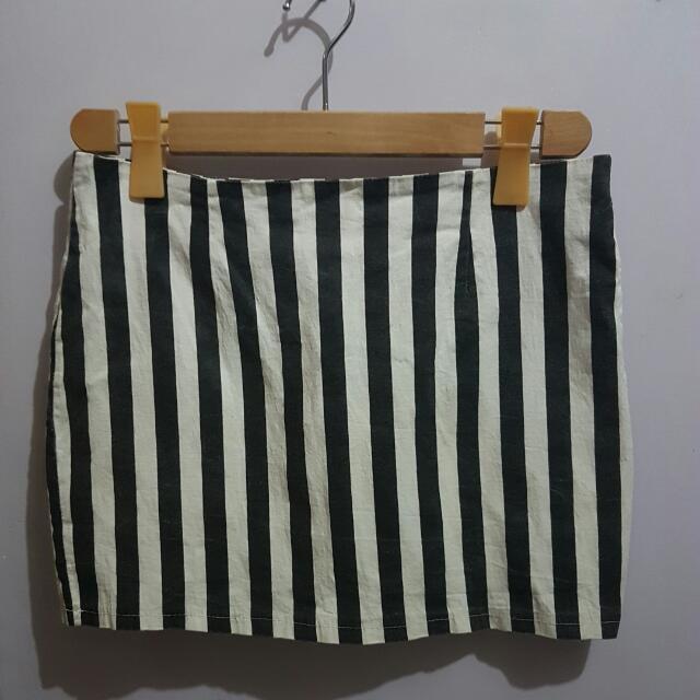 Black & White Stripes Skirt